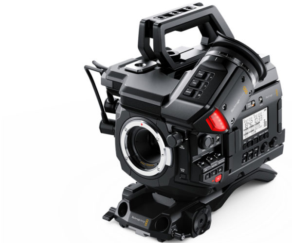 BLACKMAGIC URSA MONTURA MINI PRO EF.